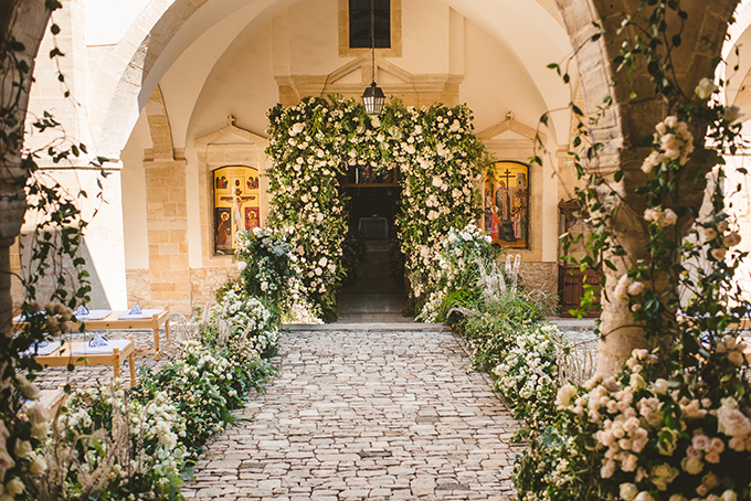 church flower decorations luxurious